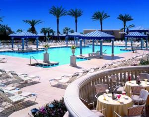 Beau_Rivage_Pool_deck_view_low