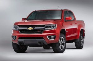 2015-Chevrolet-ColoradoZ71-003-medium