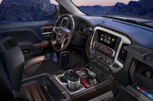 The interior on the 2015 GMC Sierra SLT has more functional storage than ever before. The center console alone offers 35.2L of reconfigurable storage.