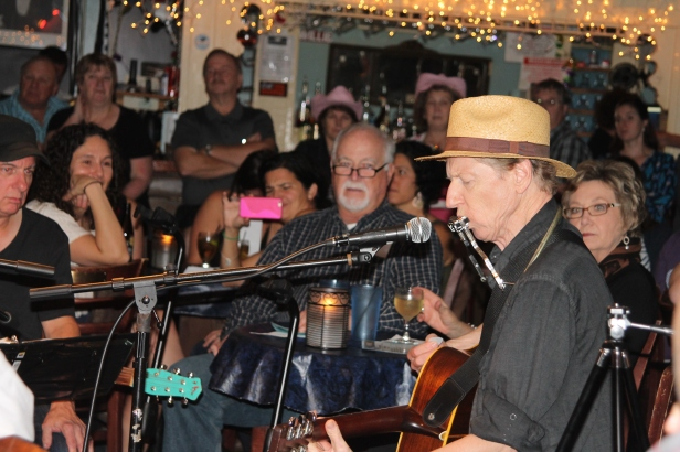 "Artists at Bluebird Cafe in Nashville, Tenn., sing ""in the round."""